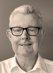 Image of Dr Russell Reichelt AO